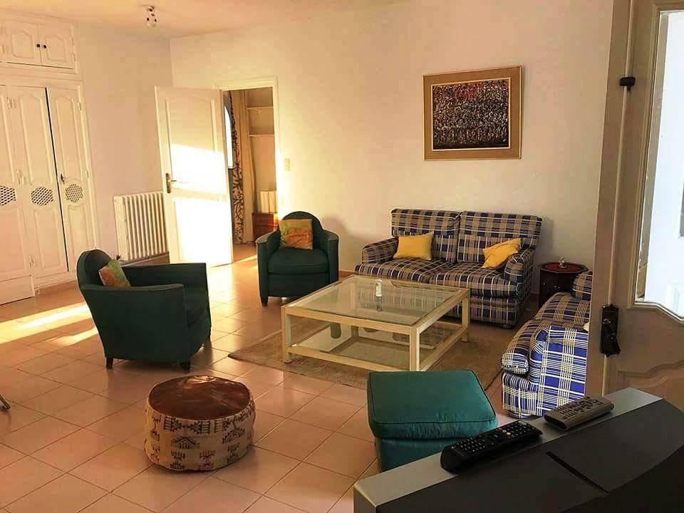 Location un tage de villa s 3 meubl gammarth for Meuble 5 etoiles tunisie ezzahra
