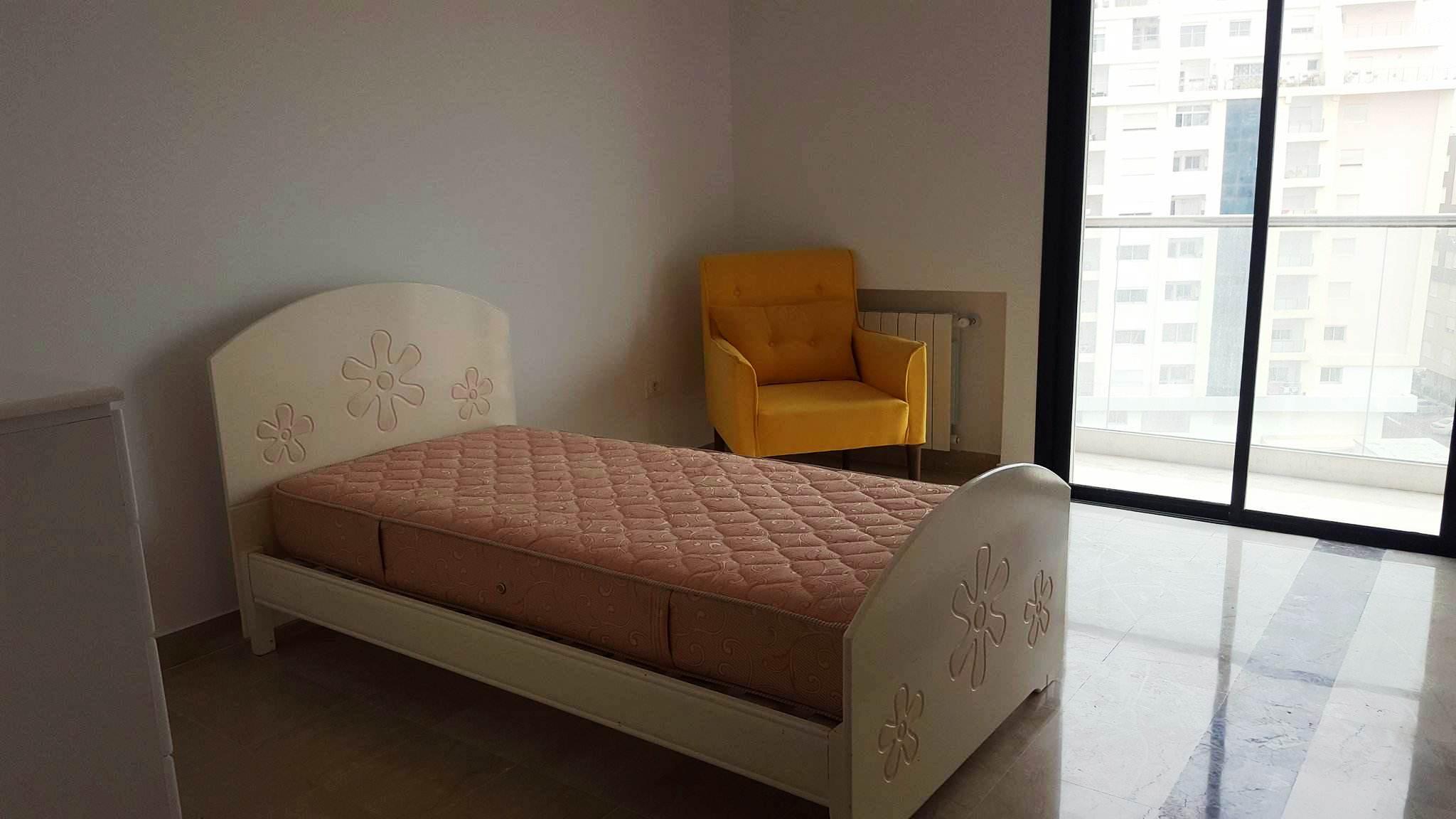 Location un appartement s 2 meubl jamais habit la for Meuble 5 etoiles tunisie mnihla salon