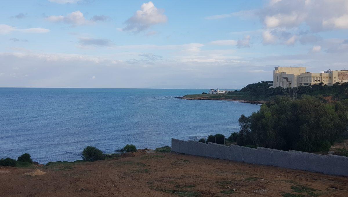 terrain vue sur mer
